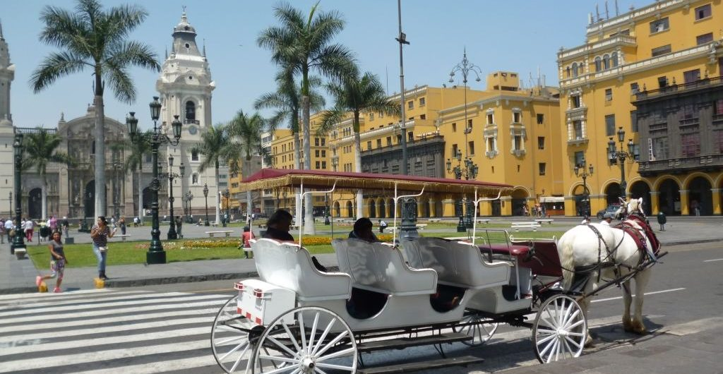 Lima city airport bus service