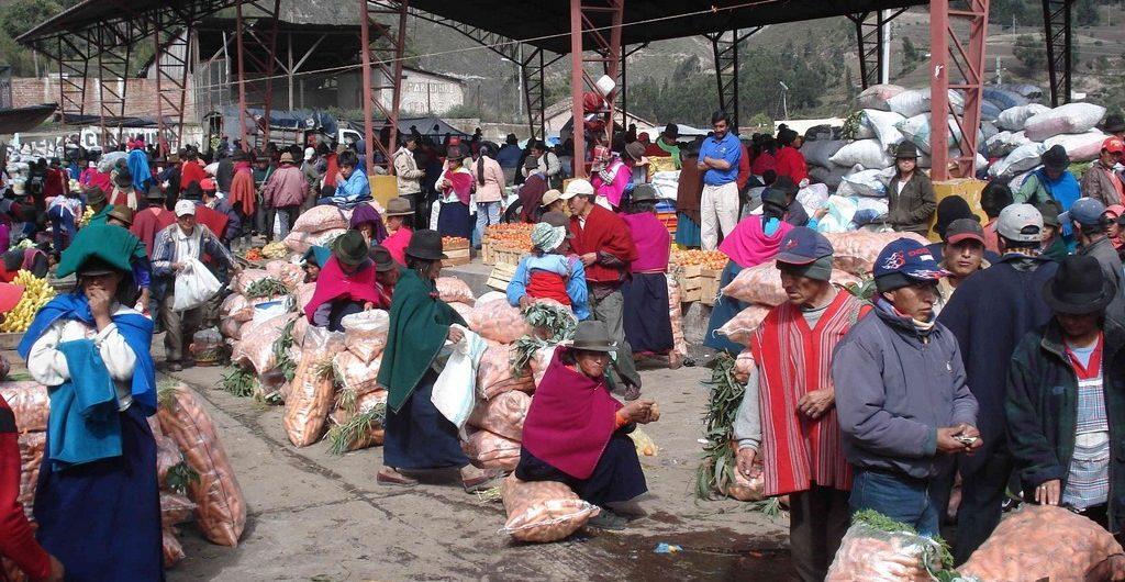 Lokale markt in Guamote Ecuador