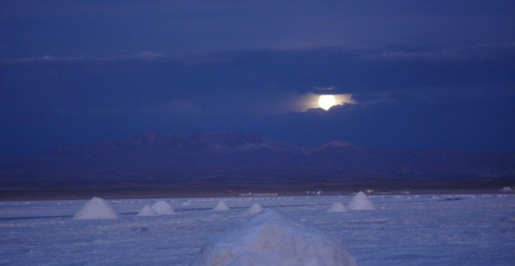 Salar, sunset and moon rise