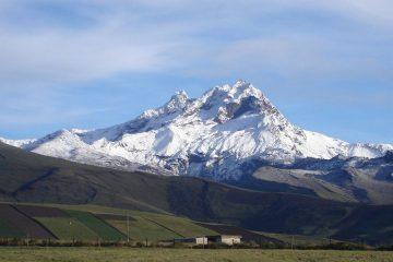 Climbing Carihuarazo Ecuador