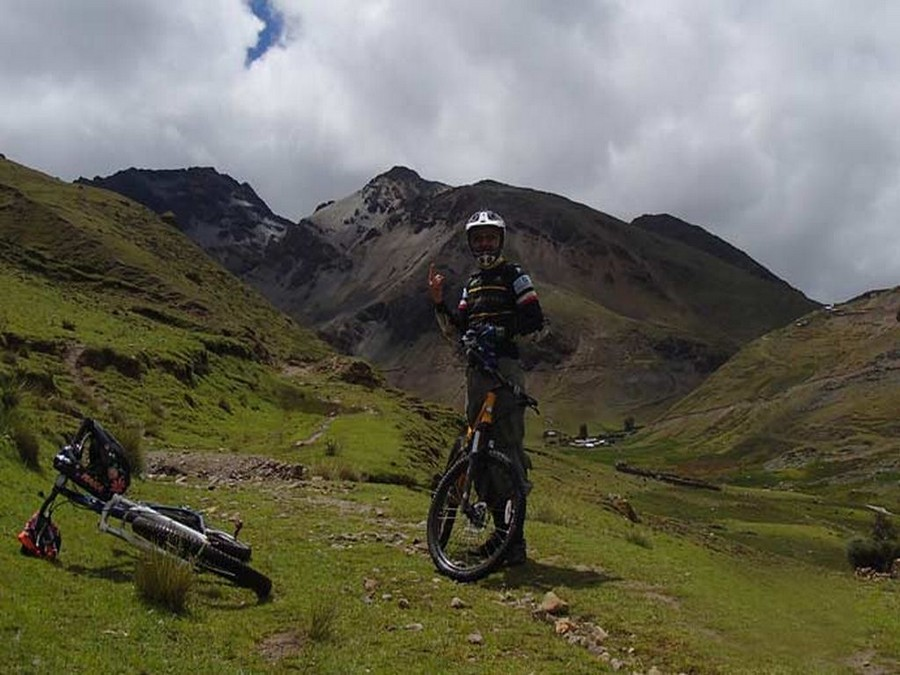 Taste the Road, Cuzco biking