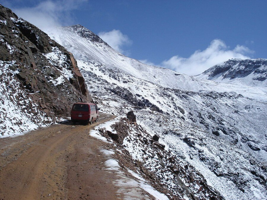 Snow on road to Chacaltaya Mountain