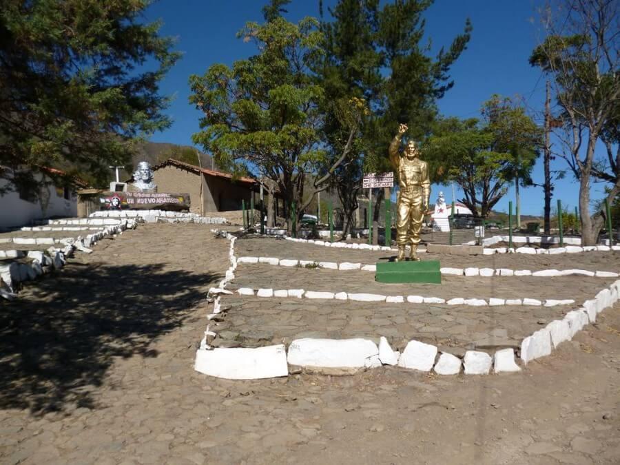 Che Guevara monument maatreizen Bolivia