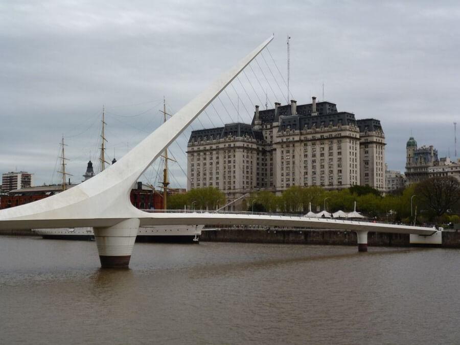 Harp bridge in Buenos Aires