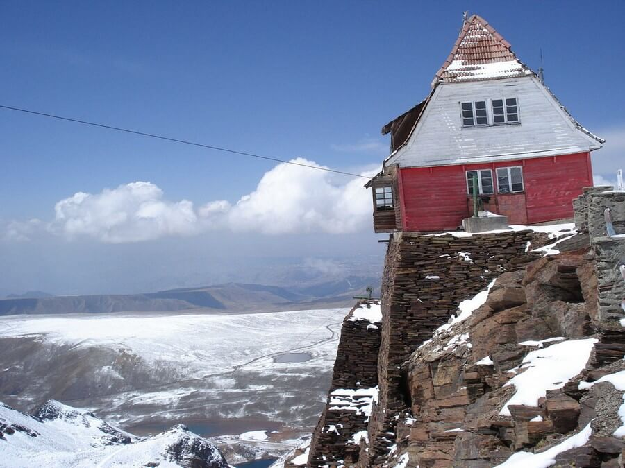 Refuge at Chacaltaya Mountain