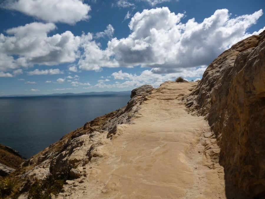 Hiking trail on Isla del Sol