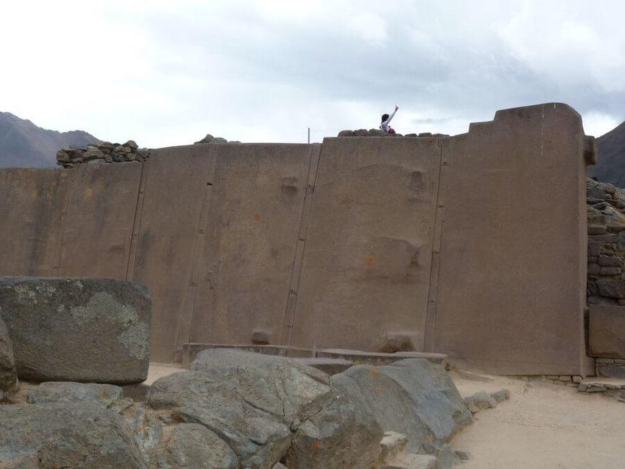 Huge stones at Ollantaytambo