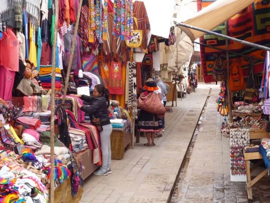 Tourist market of Pisac