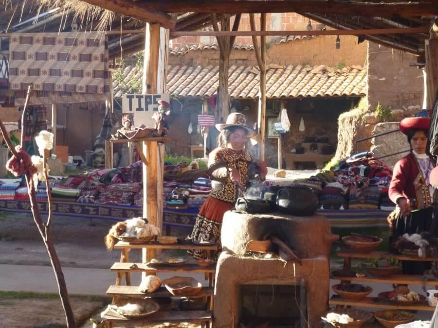 Traditional weaving Chinchero