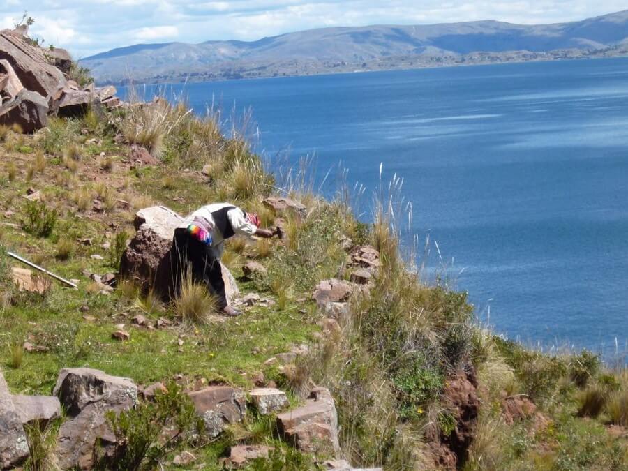 Cutting rocks on Taquile