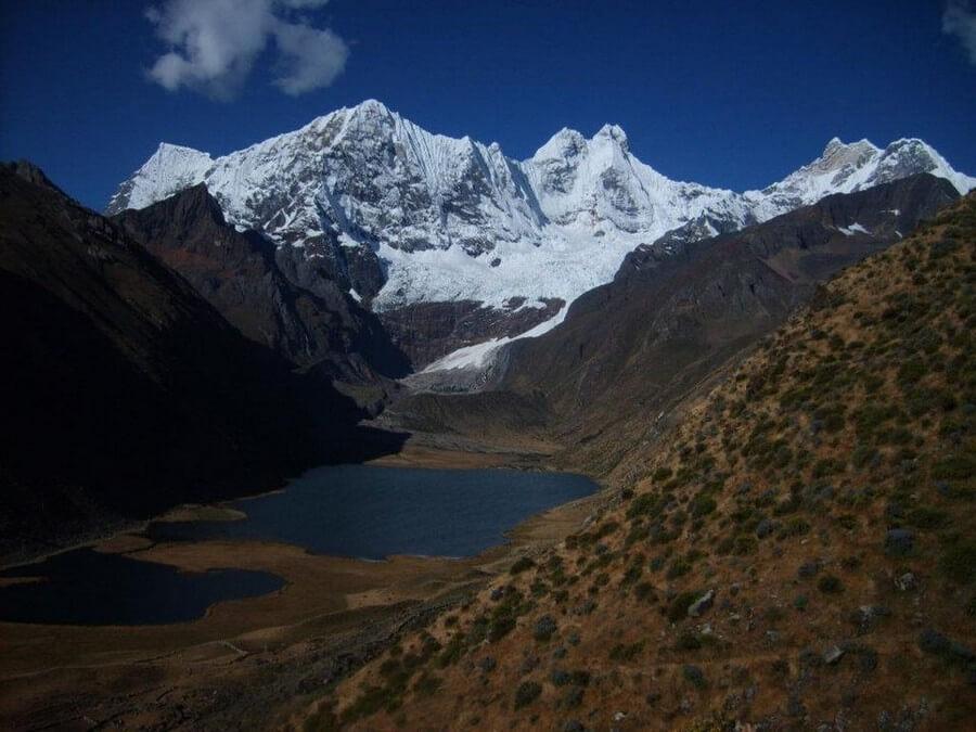 Snowcapped mountains on Huayhuas Trek