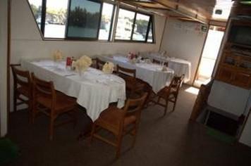 Diner Darwin Galapagos cruises