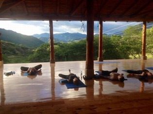 Yoga retreat Izhcayluma Lodge Ecuador