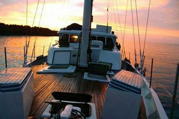 Encantada Galapagos sailboat