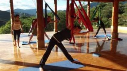 Air Yoga Izhcayluma Ecuador reis