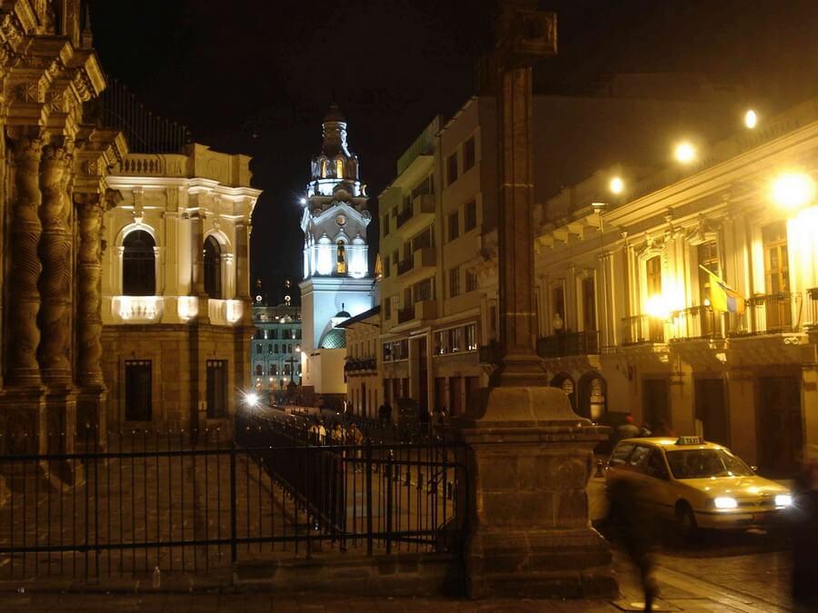 Avond stadstour in Quito