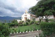 Oud kerkje voor Izhcayluma