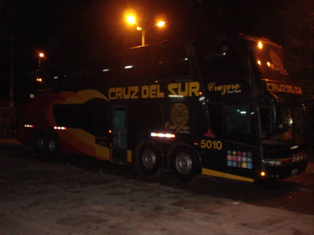 Cruz del Sur bus travel Peru